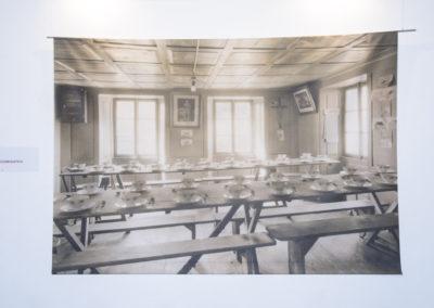 Sala del refettorio della colonia di vacanza dei sindacati a Varenzo (Leventina), 1932. Herbert Rüedi. (FPC_01600)